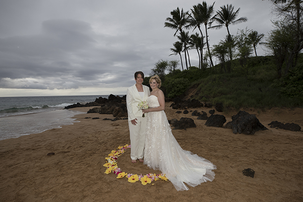 flower petal circle for wedding on maui