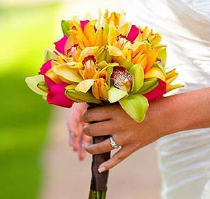 tropical bouquet for hawaii weddings