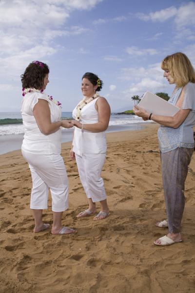 hawaii_lesbian_wedding_ring